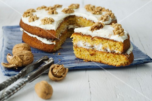 Carrot cake with mascarpone and walnuts
