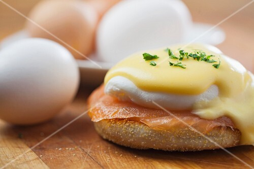 Eggs Benedict with smoked salmon on a bagel