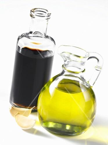 Balsamic vinegar, olive oil and garlic