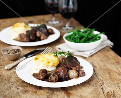 Beef Bourguignon with gratinated potatoes and green beans