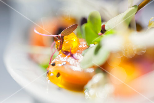 Smoked diced salmon with beansprouts, capers and caviar (Restaurant Pa i Raim, Palafrugell, Empordà, Catalonia, Spain)
