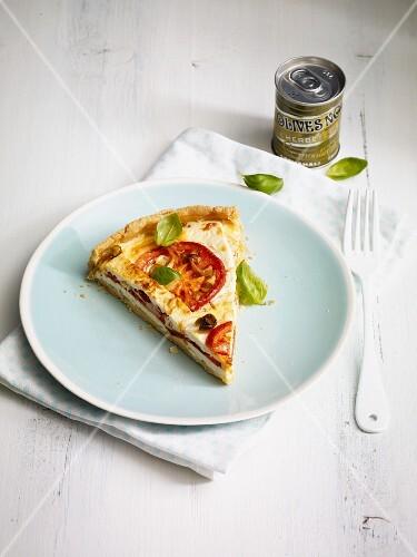 Tomato quiche with feta cheese