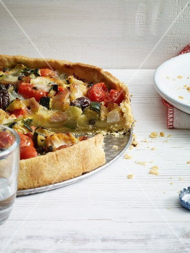 Chicken quiche with tomatoes