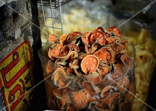 Dried bael fruits