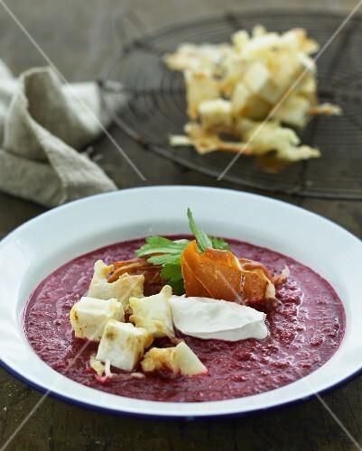Beetroot soup with celeriac and crème fraîche