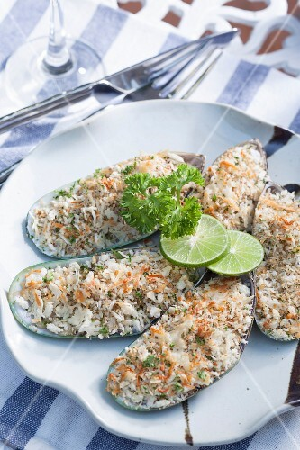 Baked mussels with herbs