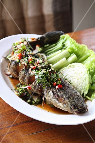 Fried snakehead with vegetables