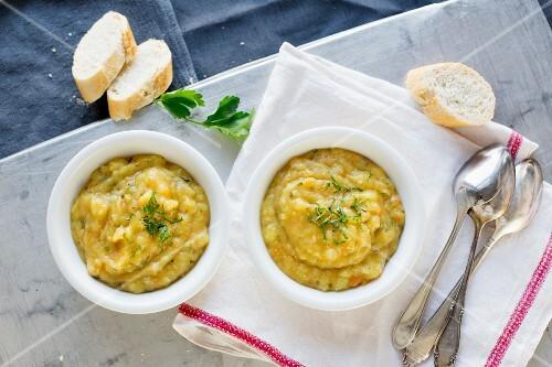 Potato soup with baguette