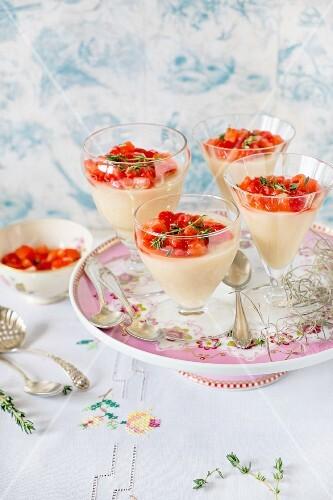 Budino al Parmigiano (Pudding mit Parmesan & Erdbeeren, Italien)