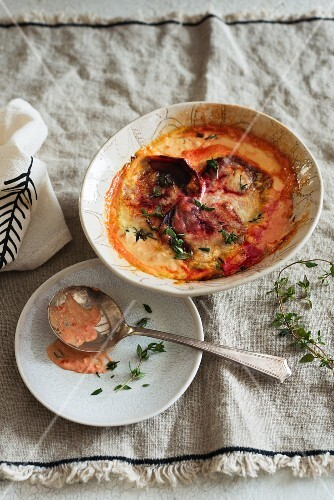 Beetroot gratin with cheese