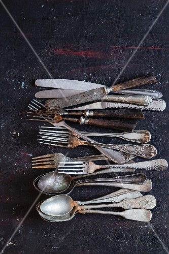 Old cutlery (seen from above)
