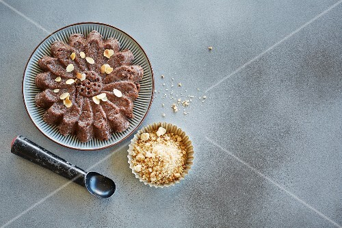 Chocolate semolina pudding with flaked almonds