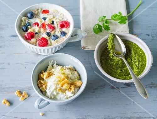 Coriander pesto, spelt porridge and fresh grain muesli