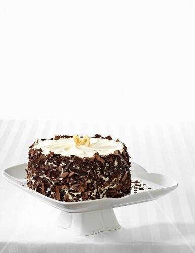 Banana cake with grated chocolate