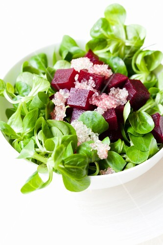 Lamb's lettuce with diced beetroot and lime caviar