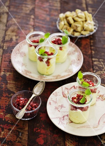 Lemon cream with pomegranate seeds