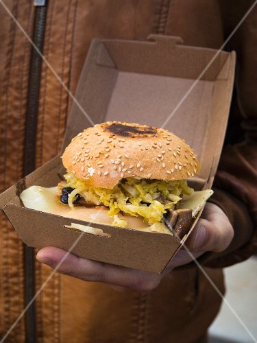 A cheeseburger from a food truck (Barcelona, Spain)
