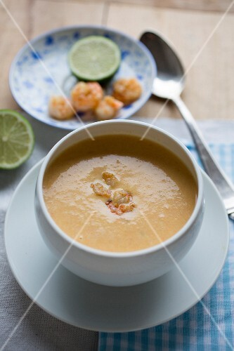 Prawn and coconut soup with limes