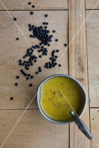 Vinaigrette and beluga lentils