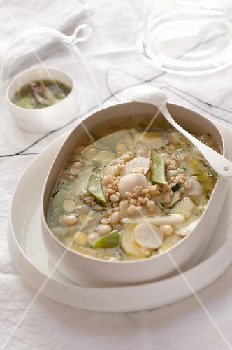 Wheat soup with vegetables