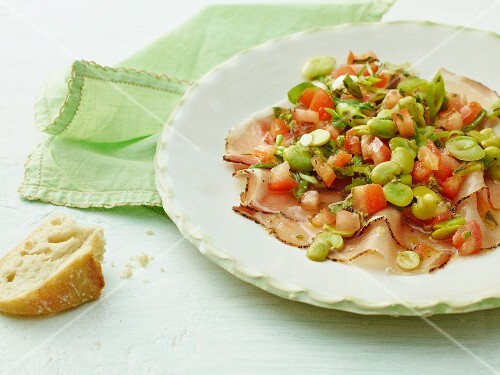 Marinated broad beans with bacon