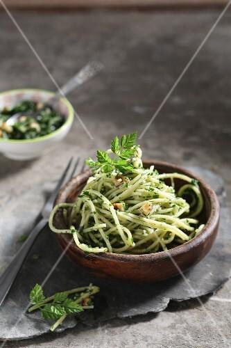 Linguini with wild garlic