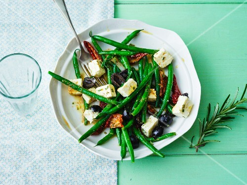 Mediterranean bean salad with sheep's cheese, dried tomatoes and olives
