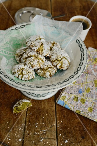 Amaretti morbidi – Italian almond biscuits with pistachios