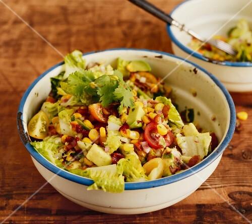 Sausalito salad with sweetcorn, avocado and bacon (USA)