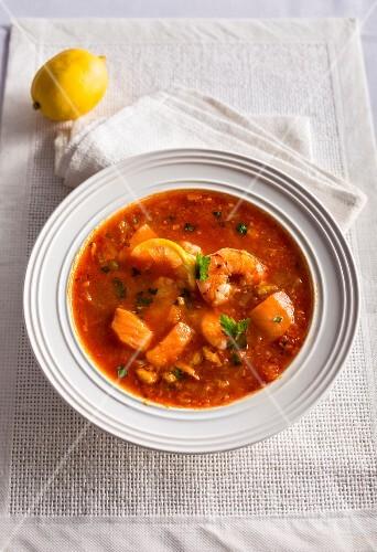 Zuppa di pesce alla siciliana (fish soup, Italy)