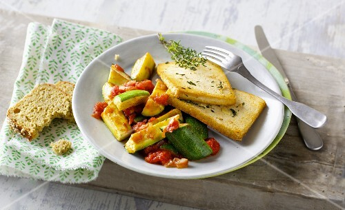 Tofu escalope with a courgette medley