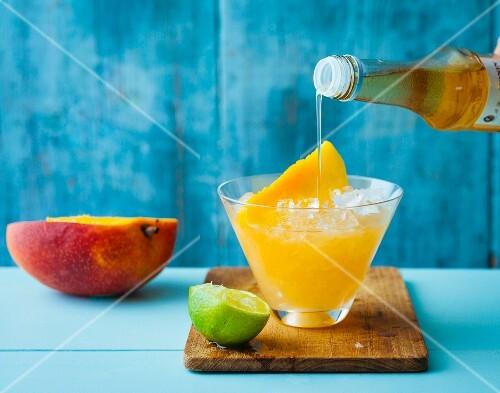 Rhubarb and mango smash