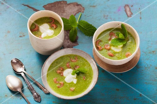 Pea soup with wasabi, cashew nuts and North Sea shrimps
