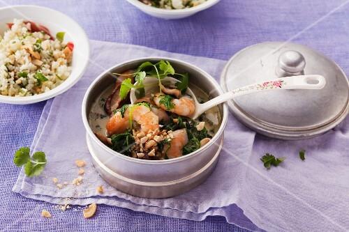 Prawn curry with cauliflower rice, cashew nuts and coriander