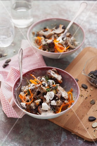 Carrots and parsnip noodles with goat's cheese