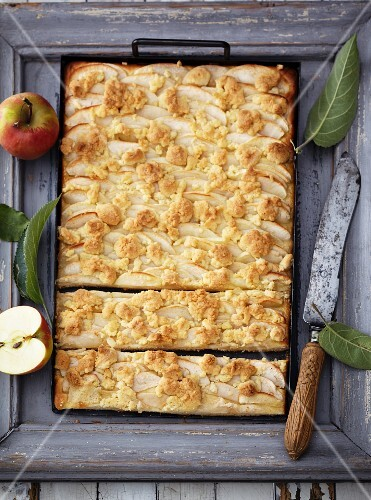 Apple cake with almond crumbles