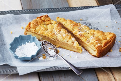 Apple sauce cake with vanilla and lemon crumbles