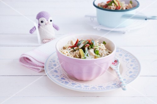 Mie noodles with chicken