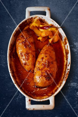 Oven-roasted chicken breast with chilli and apricots (seen from above)
