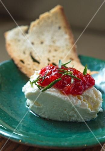Tulum Peyniri Ezmesi ve Acili Biber Receli (goat's cheese dumplings with peperoni chutney)