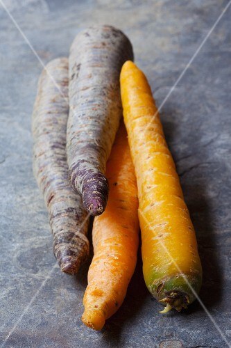 Yellow carrots and purple carrots