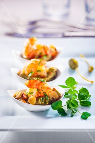 Prawns with guacamole
