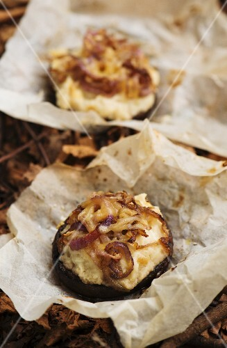 Stuffed mushrooms with mashed potatoes, cheese and onions