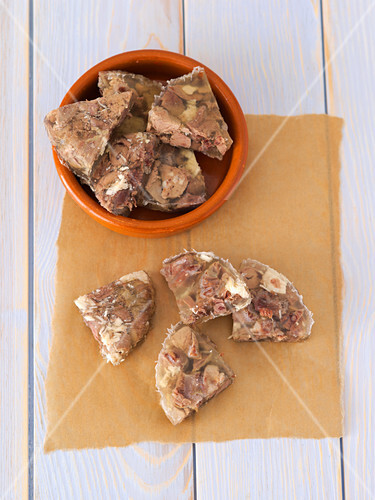 Beef, chicken liver and chicken hearts in aspic for cat food