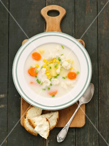 Cauliflower and potato soup with sweetcorn and carrots