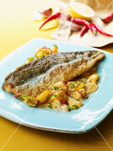 Trout fillet with a spicy pepper medley