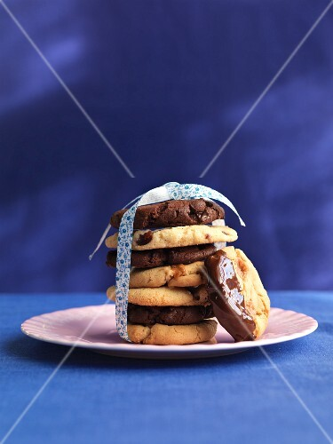 A stack of cookies tied with a ribbon