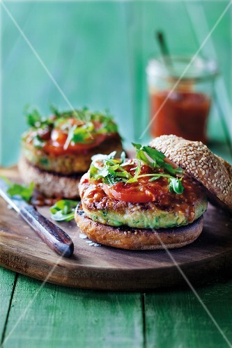 Vegetarian courgette burgers
