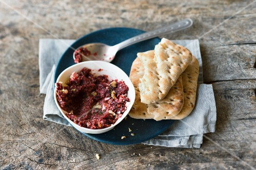 Beetroot spread with sheep's cheese and fresh mint served with unleavened bread