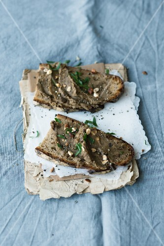 Chestnuts and porcini mushroom spread with fresh parsley